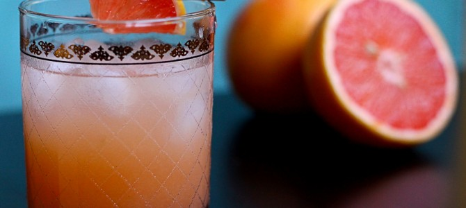 Retro Recipes: Grapefruit Greyhound Cocktail